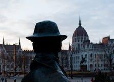 Statua Imre Nagy i hungarian parlament Obrazy Stock