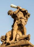 Statua infine al castello di Praga Fotografia Stock Libera da Diritti