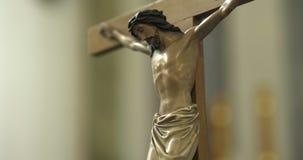 Statua jezus chrystus w kościół zbiory wideo