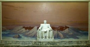 Statua Kim Il Sung w Uroczystych ludziach ` s nauki domu Zdjęcia Royalty Free