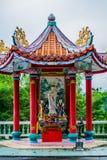 Statua Kuan Yin z nieba tłem obrazy royalty free