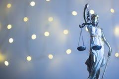Statua legale dell'ufficio della giustizia degli avvocati Immagini Stock Libere da Diritti