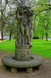 Statua nagie istoty ludzkie w parku Zdjęcia Stock
