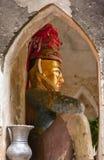 Statua nazionale davanti al portone della città di Bagan, Myanmar Fotografie Stock