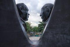 Statua nel quadrato di Alpujarra a Medellin Immagine Stock Libera da Diritti