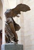 Statua Nike w Louvre muzeum Obraz Royalty Free