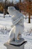 Statua nuda di marmo nella stagione fredda Fotografia Stock
