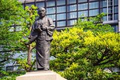 Statua Oishi Kuranosuke lider 47ronin przy Sengakuji świątynią w Tokio, Japonia fotografia stock