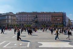 Statua pierwszy królewiątko zlany Włochy na piazza Del Duomo zdjęcia stock