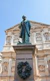 Statua powieściopisarz Alessandro Manzoni (1883). Mediolan, Włochy obraz royalty free