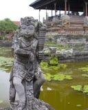 Statua przy Puri Agung Semarapura sprawiedliwości sądem Obraz Royalty Free