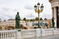 Statua przy Skopje oka mostem, republika Macedonia Obraz Stock