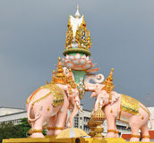 Statua różowi słonie zdjęcie royalty free