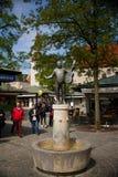 Statua roider jackel na viktualienmarkt w Munich Niemcy Ja jest dziennym jedzenia rynkiem i kwadratem w centrum zdjęcia royalty free