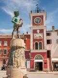 Statua in Rovigno, Croazia Immagini Stock