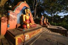 Statua siedzieć Buddha W Swayambhunath, teraz załamująca się po t Fotografia Royalty Free