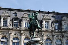 Statua signorile a Parigi Immagine Stock Libera da Diritti