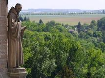 Statua su catedral della st Barbara Fotografie Stock Libere da Diritti