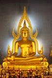 Statua tailandese del buddha dell'oro di stile, Bangkok Fotografia Stock Libera da Diritti