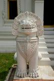 Statua tailandese del leone fotografie stock