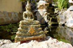 Statua Tajlandzki Buddha w medytaci pozie fotografia royalty free