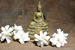 Statua Tajlandzki Buddha w medytaci pozie obrazy royalty free
