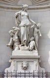 Statua Tethys na fasadzie Lloyd pałac w Trieste obrazy stock
