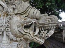 Statua tipica del drago di balinese fotografie stock libere da diritti