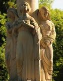 Statua trzy kobiety jako symbol past, teraźniejszość i przyszłość, Obraz Stock