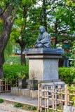 Statua Uryu Iwako sławny dobroczynny co prowadzenie w budynków szpitali kobiecie Sensoji świątynia sławna świątynia w Tokio, Japo zdjęcia stock