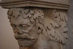 Statua vicino alla tomba di Juliet, Verona, Italia fotografia stock