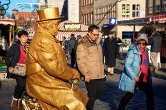 Statua vivente nel mercato di Natale più famoso a Norimberga fotografia stock libera da diritti