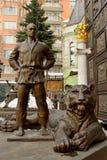 Statua Vladimir Putin w dżudo kostiumu z tygrysem przy jego ciekami, obrazy royalty free