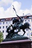 Statua w Nikolai okręgu na Rzecznym bomblowaniu w Berlińskim Niemcy Fotografia Royalty Free