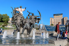 Statua założyciele Kijów przy niezależność kwadratem Obrazy Royalty Free
