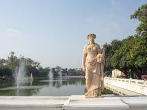 Statuaire dans le jardin Image libre de droits