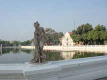 Statuaire dans le jardin Photos libres de droits