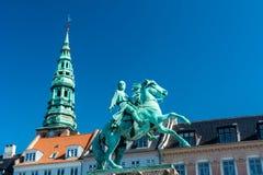 Statue équestre d'Absalon à Copenhague photographie stock libre de droits