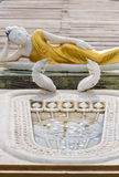 Statue étendue de Bouddha en Seema Malaka Temple à Colombo, Sri Lanka Photographie stock