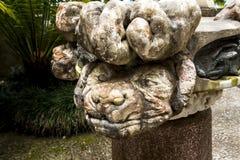 Statue étrange dans un beau jardin chez Monte au-dessus de Funchal Madère Photo stock