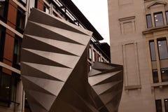 Statue abstraite à Londres Images libres de droits
