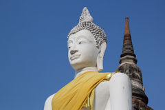 Statue antiche Wat Yai Chai Mongkol di Buddha a Ayutthaya Tailandia Fotografia Stock
