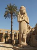 Statue antique dans le temple de Karnak Photographie stock libre de droits