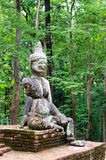 Statue antique de démon dans Wat Umong, Thaïlande. Images libres de droits