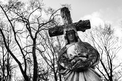Statue antique de Vierge Marie Photos libres de droits