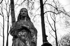 Statue antique de Vierge Marie Image stock