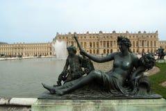 Statue au stationnement du château de Versailles Image stock