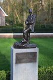 Statue auf dem Feld der Ehre herein auf dem grebberberg, wohin viele niederländischen Soldaten im Jahre 1940 am Anfang Weltkriegs stockfotografie