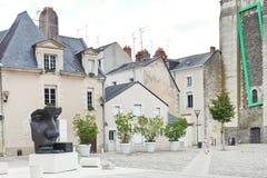 Statue auf Straße Rue du Musee in Anges, Frankreich Stockfotografie