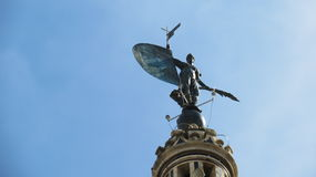 Statue auf Turm am königlichen Alcazar-Palast, Sevilla, Spanien Stockfotografie